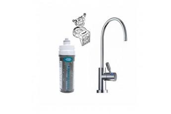 Depuratore acqua per uso domestico con rubinetto